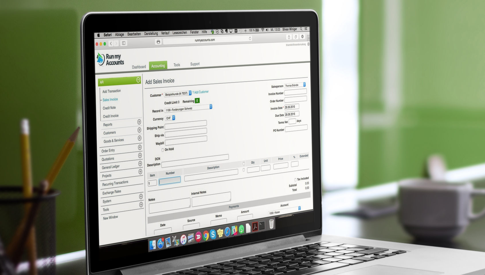 Online-Buchhaltungs-Software auf Englisch und Französisch