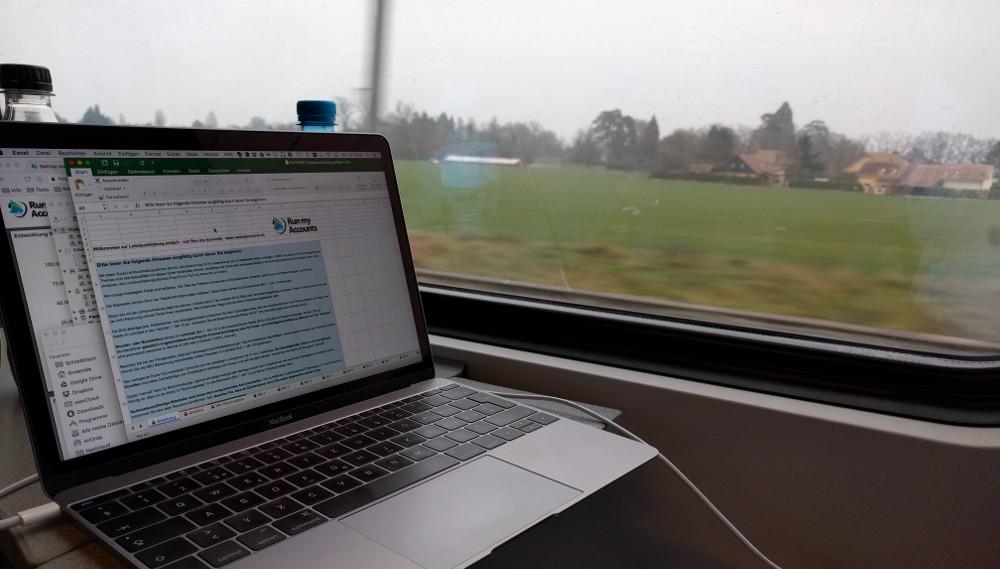 Arbeiten im Zug am Genfersee
