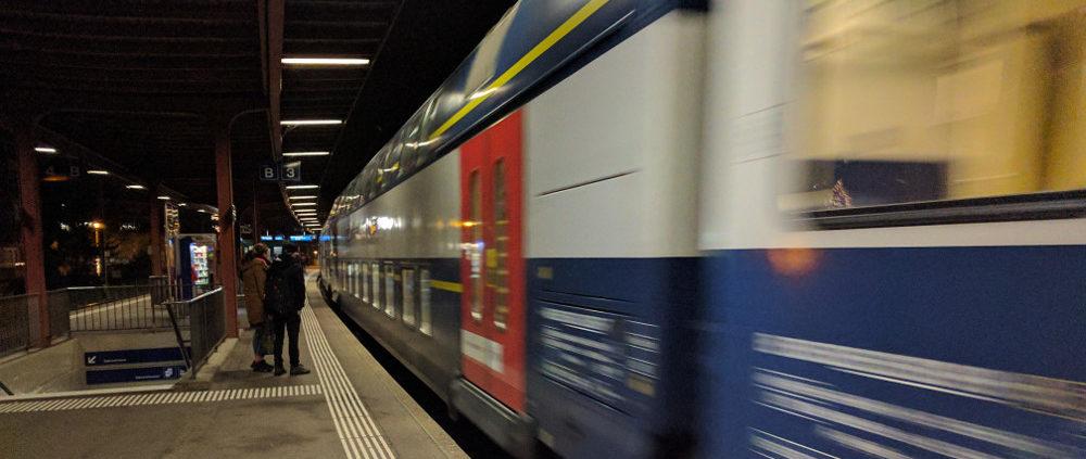 Zug Ankunft in Stäfa