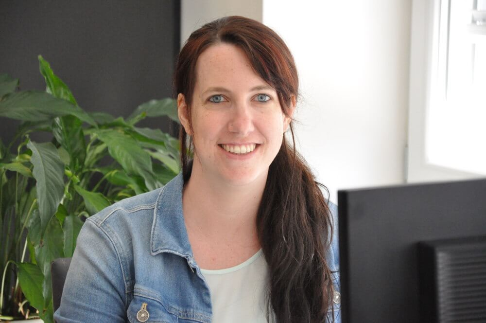 Sabrina Gisiger ist für Kirchen und digitalisierte Buchhaltung zuständig